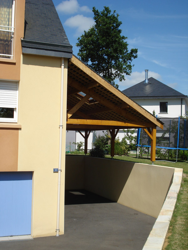 Charpente traditionnelle bois saint herblain for Garage seat st herblain