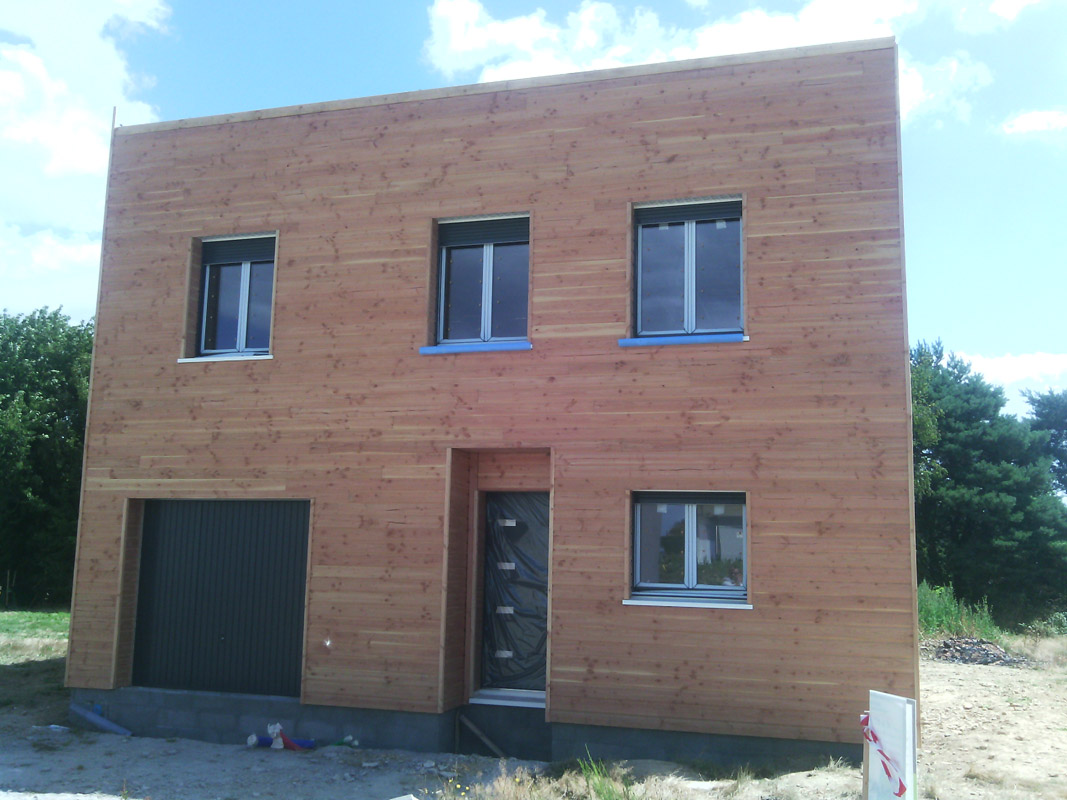 Maison ossature bois douglas construction bois bcb for Image construction maison