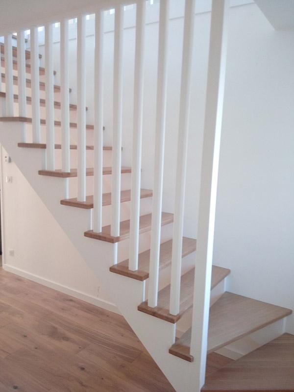 escalier quart tournant ch ne construction bois bcb sp cialiste en charpente et ossature bois. Black Bedroom Furniture Sets. Home Design Ideas